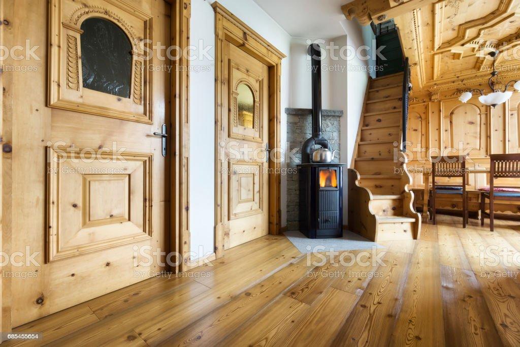 Berg-Chalet-Holz-Interieur – Foto