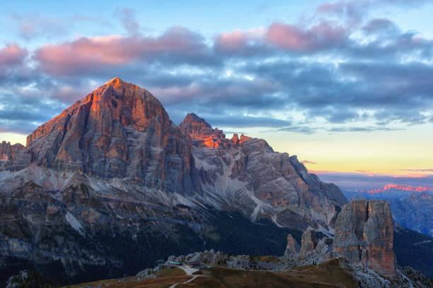 Berg Cinque Torri (die fünf Säulen) – Foto