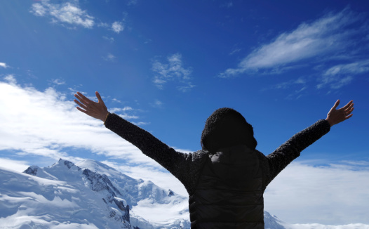 629376126 istock photo Mountain Climber Open Arms - Large 183381376