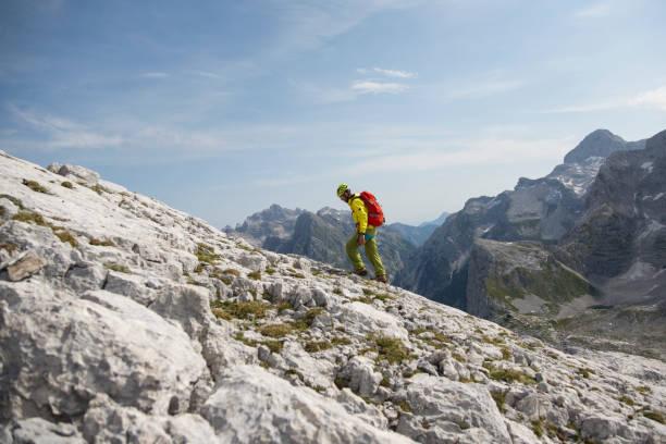 Bergsteiger wandern in Bergen – Foto