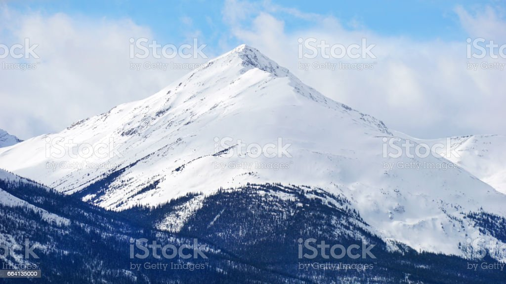 mountain covered with snow in National Park foto stock royalty-free
