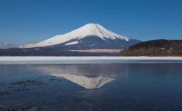 山藤 - yamanaka lake ストックフォトと画像