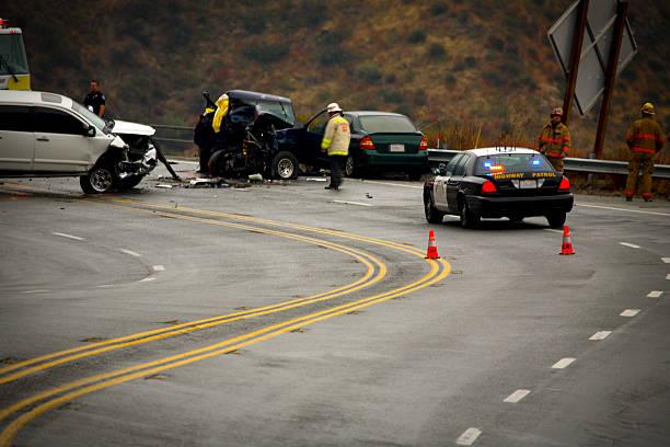 mountain highway - auto accident fatality - krockad bil bildbanksfoton och bilder