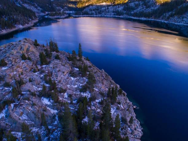 Bergsee im Frühwinter – Foto