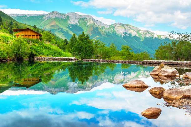 하이 tatras 국립 공원, 슬로바키아에서 산 호수 (소 zelene) - 슬로바키아 뉴스 사진 이미지