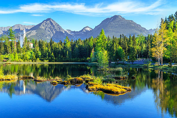 mountain lake in national park high tatra, slovakia, europe - 슬로바키아 뉴스 사진 이미지