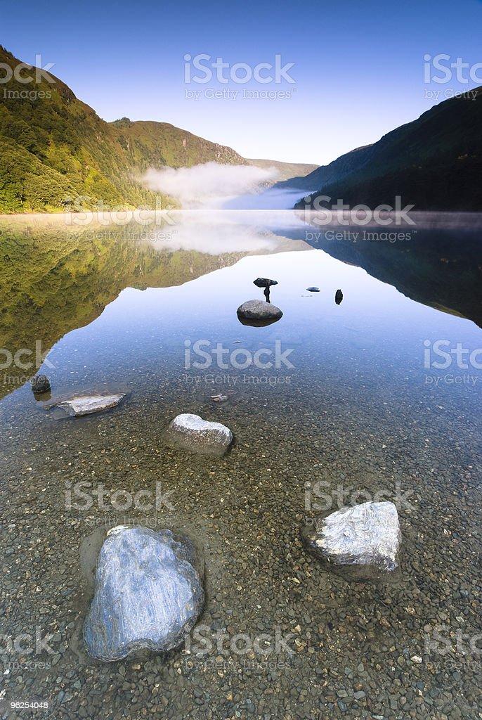 Lago de montanha - Foto de stock de Azul royalty-free