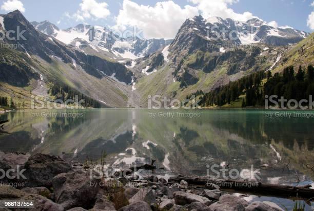 Горное Озеро — стоковые фотографии и другие картинки Без людей