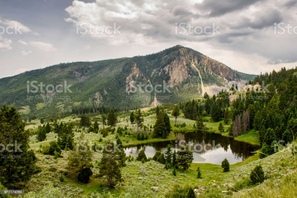 Lac de montagne reflets photo libre de droits