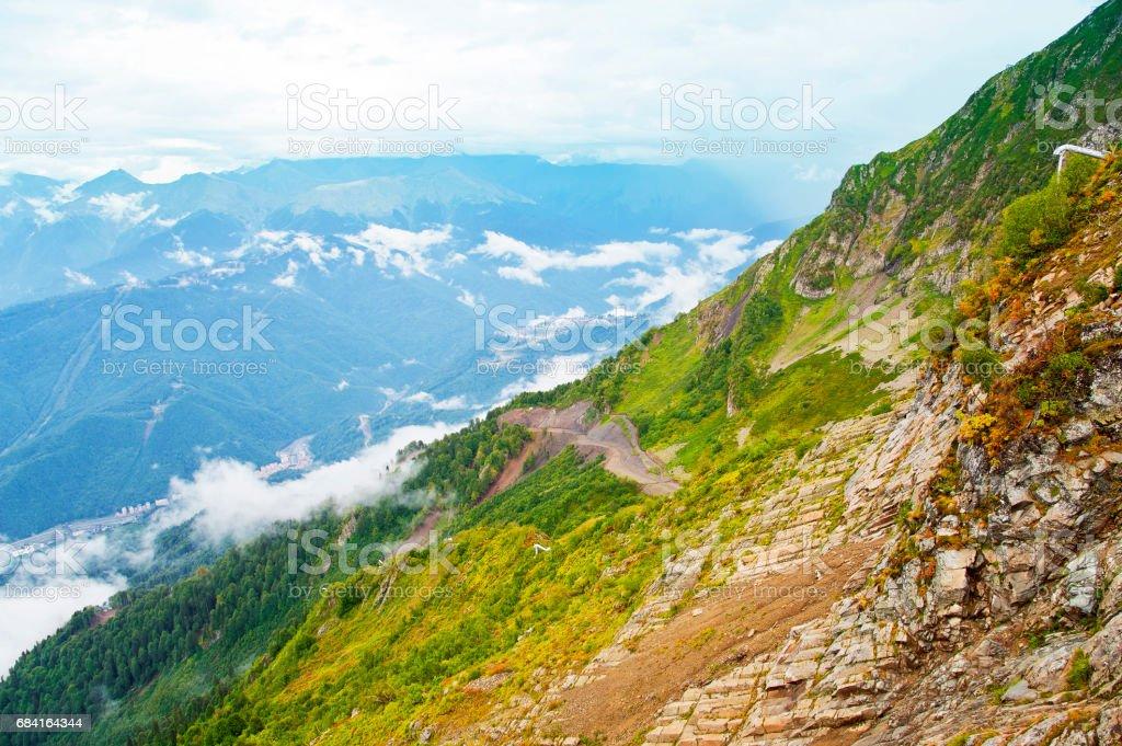 夏季の山の景観に。 ロイヤリティフリーストックフォト