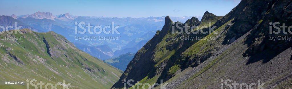 Berglandschaft in den Schweizer Alpen mit toller Aussicht – Foto