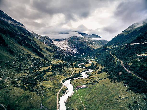 berglandschaft - kanton schweiz stock-fotos und bilder