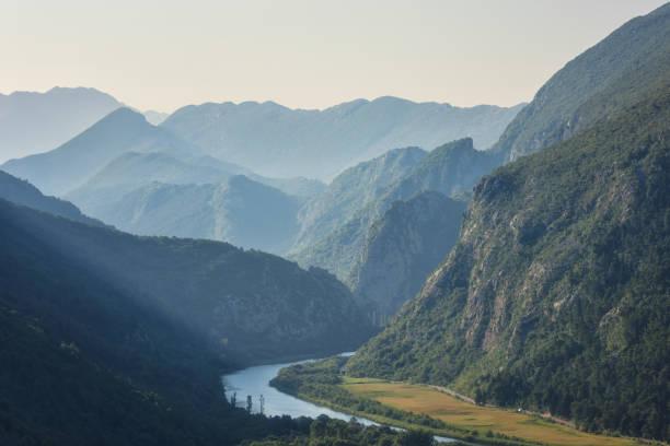 Berglandschaft mit Canyon der Cetina Fluss, Dinara Gebirge, Omis, Dalmatien, Kroatien – Foto