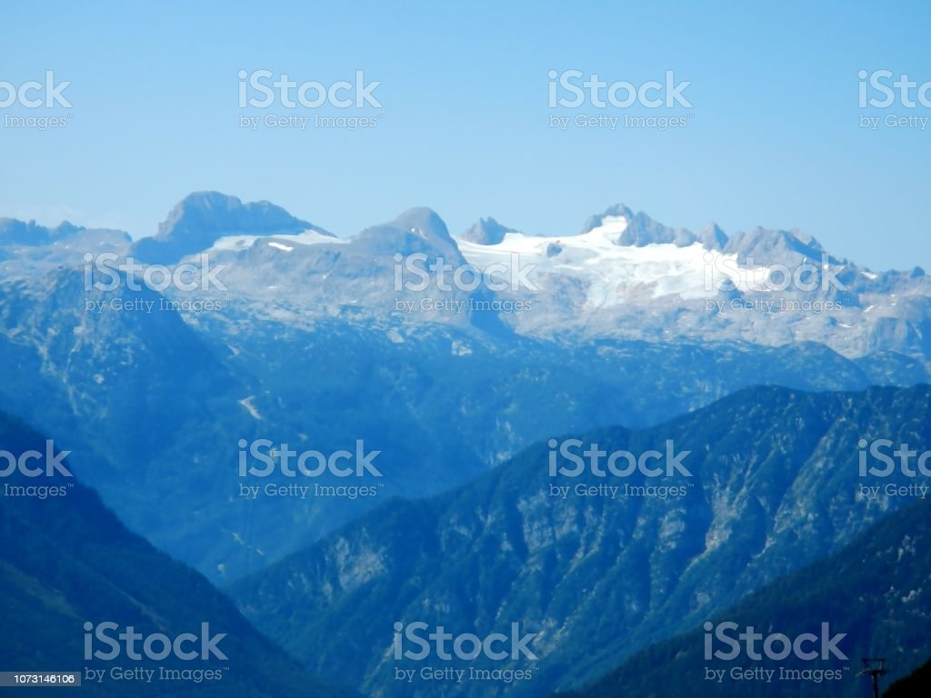 Bergpanorama mit Gletscher im Sommer Blue Skyline, Österreich – Foto
