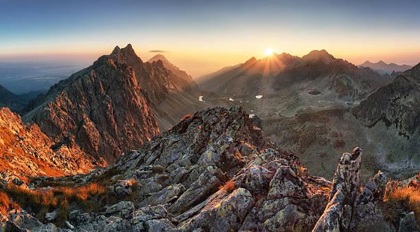 마운틴 전경, 일요일 슬로바키아 - 카르파티아 산맥 뉴스 사진 이미지