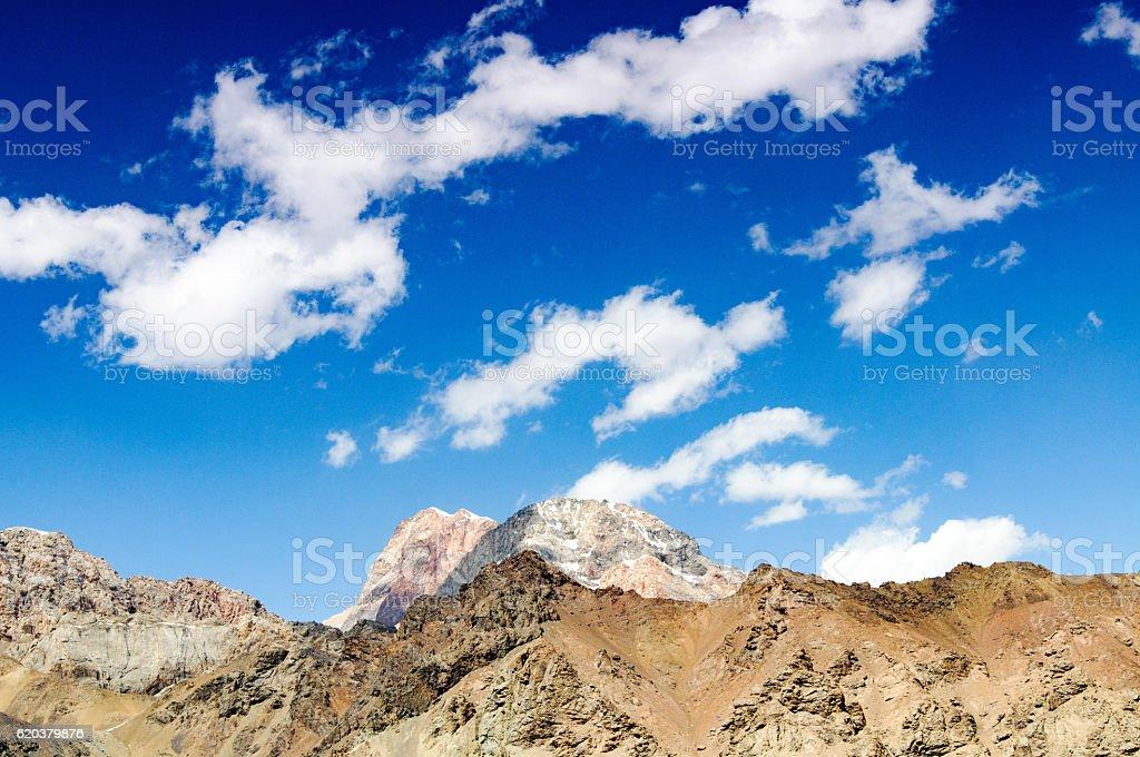 mountain peaks against the sky with clouds zbiór zdjęć royalty-free