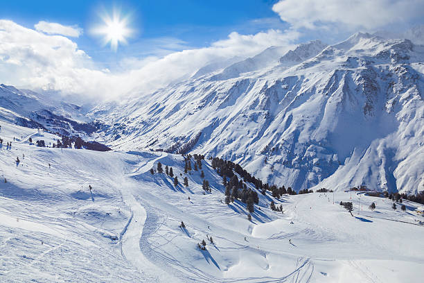 mountain ski resort hochgurgl austria - 奧地利 個照片及圖片檔
