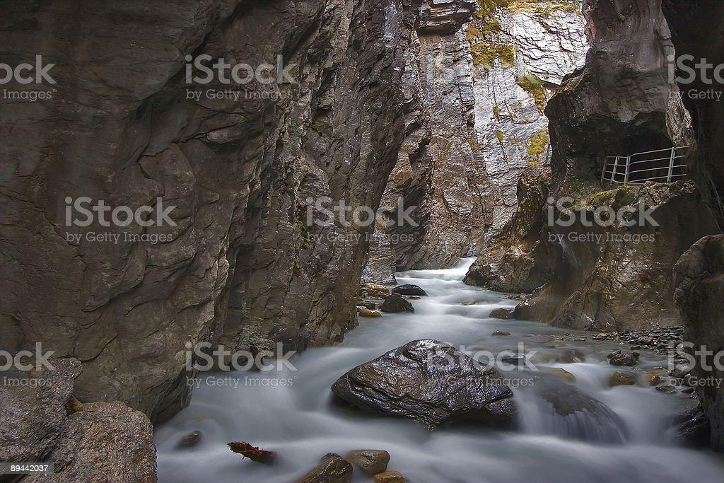 Ruscello di montagna foto stock royalty-free