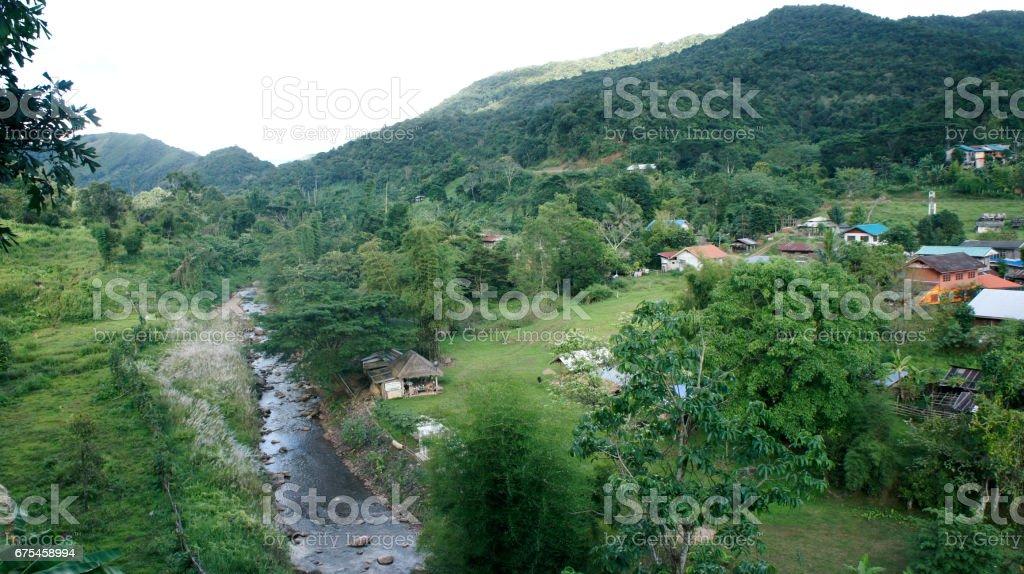 Mountain Village on a Sunny Summer day. photo libre de droits