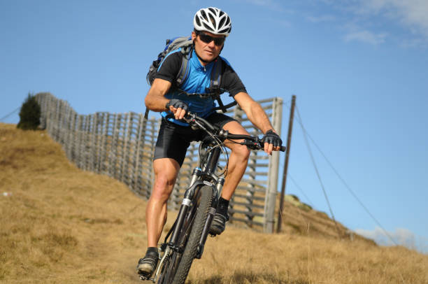 Mountainbiker in Aktion – Foto