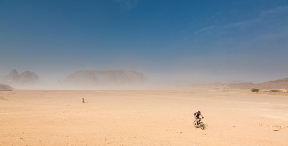 Mountainbiking at Jordan Desert Plains