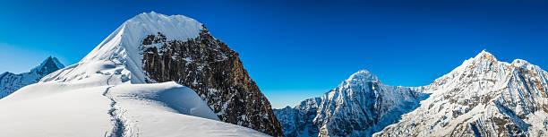 Mountaineers climbing snowy mountain peak tharpu chuli annapurna picture id523181100?b=1&k=6&m=523181100&s=612x612&w=0&h=mzt8kzajyfsrr5sef4xo560lmpn1crqj98 cyp fzpa=