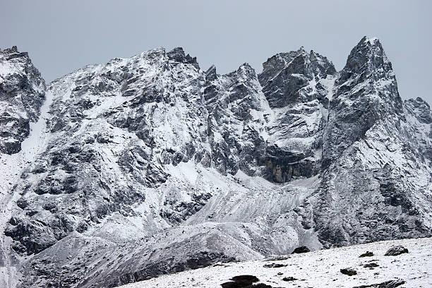 산 불빛들과 얼음으로 둘러싸인 후, Himalaya, 네팔 스톡 사진