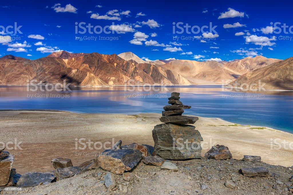 Berge und rcoks, Pangong tso (Lake), Leh, Ladakh, Indien – Foto
