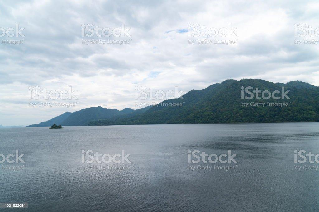 Berge und Stauseen – Foto