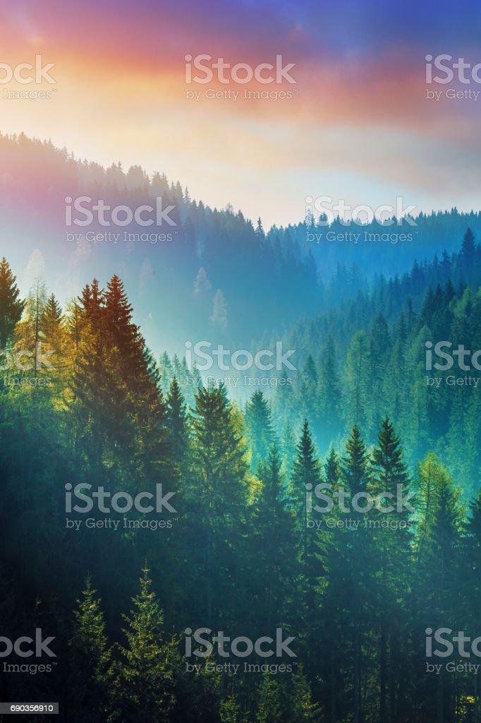 Bergen på sunrise - Dolomiterna i södra Tyrolen, Italien bildbanksfoto