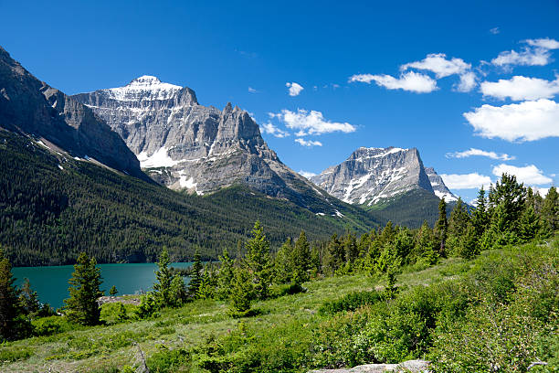 mountains, glacier national park, montana - going to the sun road stock pictures, royalty-free photos & images