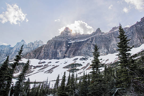 mountains in glacier national park - british columbia glacier national park stock pictures, royalty-free photos & images