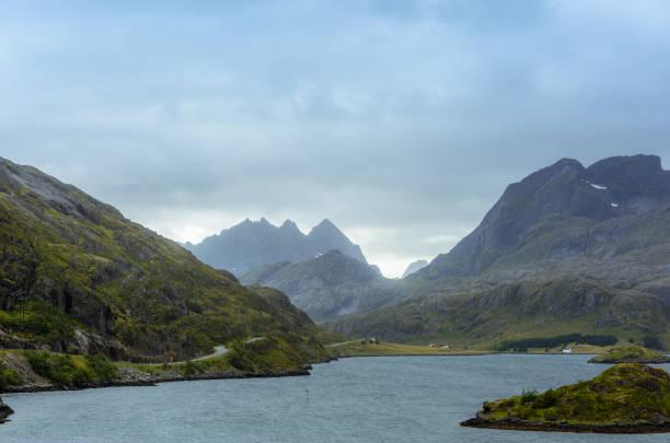Mountains in Lofoten during bad weather – Foto