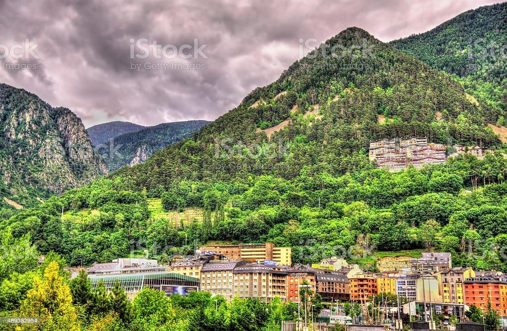 Montanhas perto de Andorra la Vella, a capital de Andorra - foto de acervo