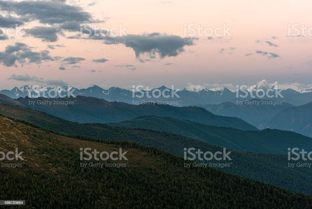 mountains peak snow sky sunrise foto royalty-free