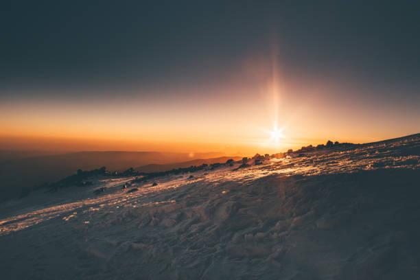 Berge Sonnenaufgang Blick vom Elbrus Berg Reisen über 5000 m Höhe natürliche Farben Morgen ruhigen Landschaft epische Momente – Foto