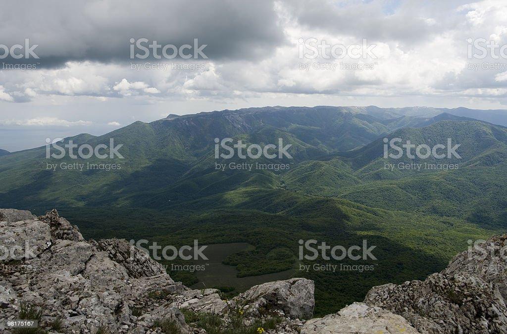 Tempesta cielo montagne sotto foto stock royalty-free