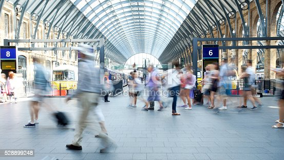 Movement of people in rush hour, london train stationMovement of people in rush hour, london train station: SONY A7
