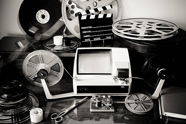 movie editing vintage desktop - postproduktion stock-fotos und bilder