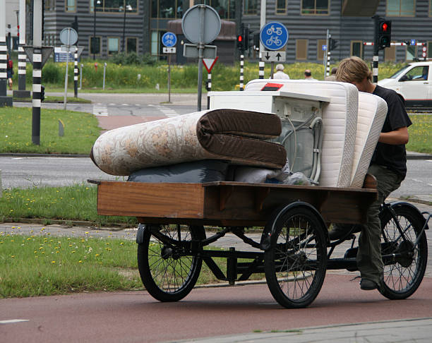 bewegen - fahrradträger stock-fotos und bilder