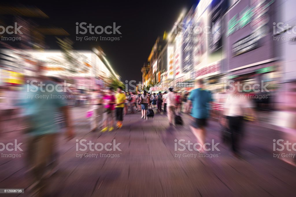 Crowds of tourists are going sightseeing