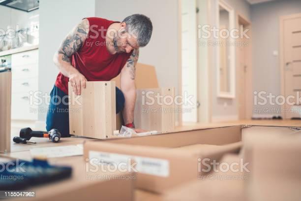 Moving house concept picture id1155047962?b=1&k=6&m=1155047962&s=612x612&h=lldvqxypks 5jrcotdxzfzri0dnnkxerw892aofcbrm=
