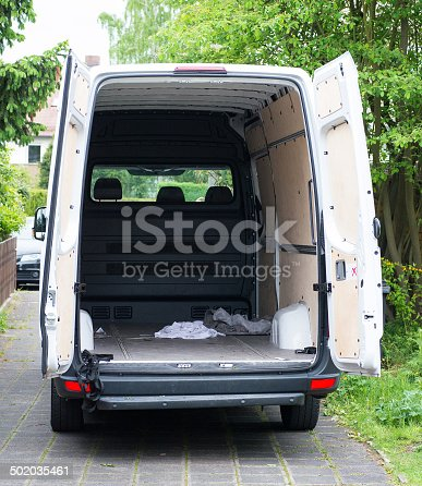 istock moving house float - Umzugswagen 502035461