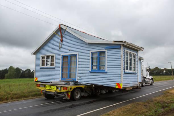 bewegt hausstil neuseeland - umzug transport stock-fotos und bilder