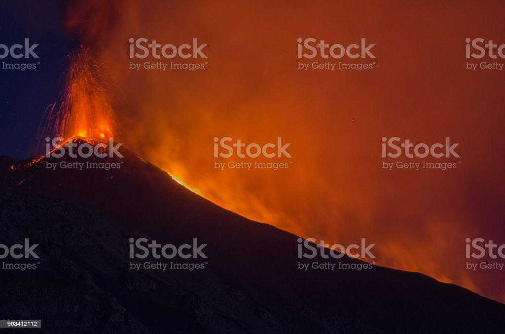 mt Etna - Zbiór zdjęć royalty-free (Bez ludzi)