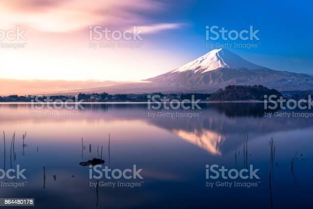 Mt fuji and lake kawaguchi picture id864480178?b=1&k=6&m=864480178&s=612x612&h=trqkqufmmi3zqb6oztsod3elxvdlktk4s4xnej0aoso=