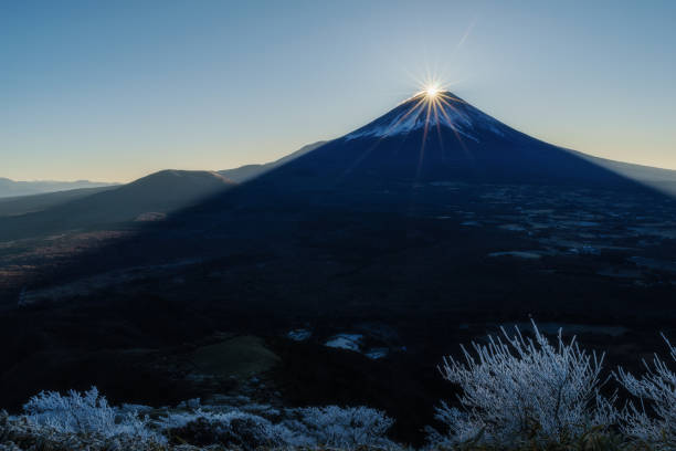 mt. fuji and sunrise on new year's day 2018 - new years day stock pictures, royalty-free photos & images