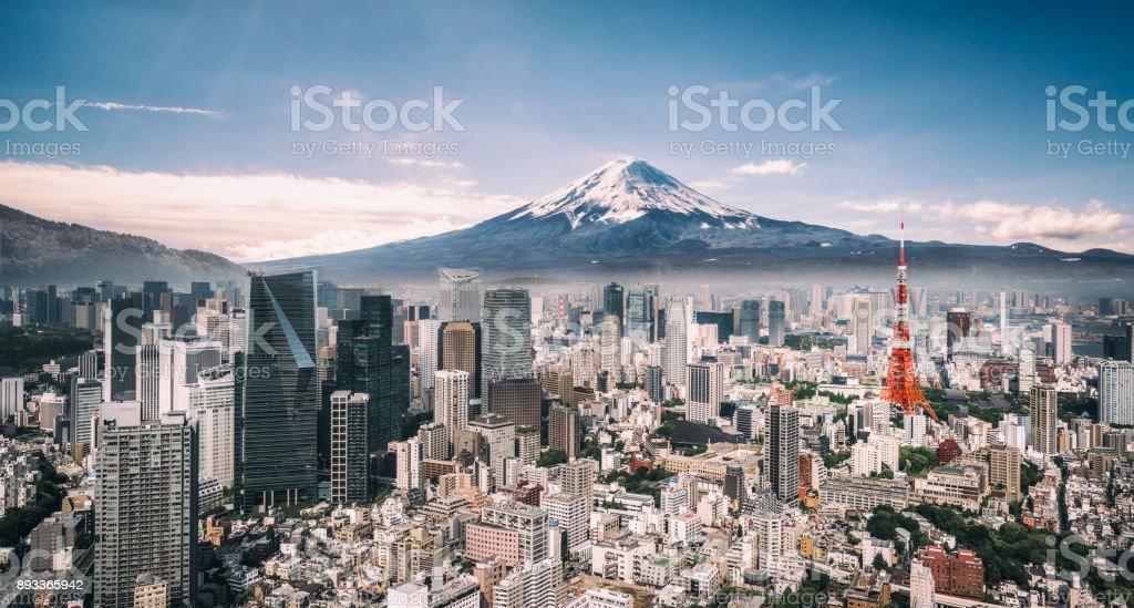 MT. Fuji och Tokyo Skyline bildbanksfoto