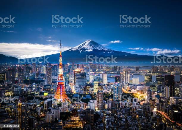 Mt fuji and tokyo skyline picture id904453184?b=1&k=6&m=904453184&s=612x612&h=f wgdzv9hbqvrpryrmhogyzvbkndl21kkmm36gxmrck=