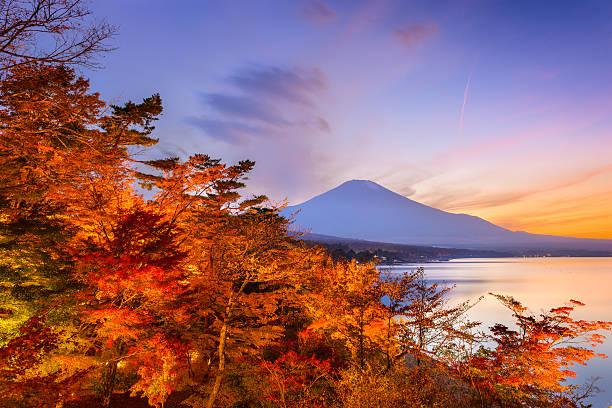 富士山日本 - yamanaka lake ストックフォトと画像